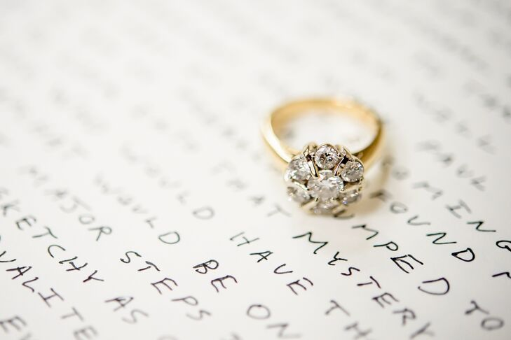 Vintage Yellow Gold Flower-Inspired Wedding Ring