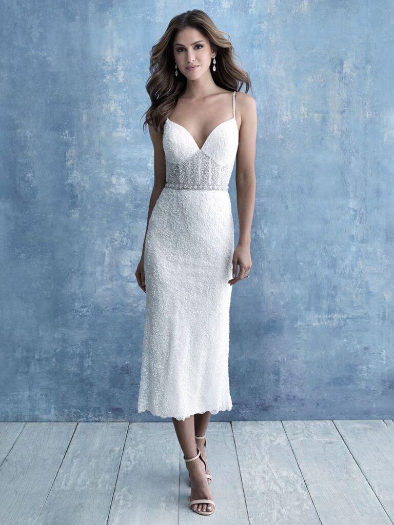 Váy cưới midi màu trắng quyến rũ với đường viền cổ áo ngọt ngào và dây đai ren ngực và váy ren bồng bềnh váy cưới đơn giản đẹp