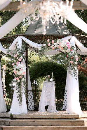 Romantic Lush Wedding-Arch Gazebo With Roses