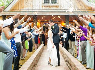 When avid rock climbers Anna Befus (24 and a technical graphics specialist) and Elliot Befus (24 and a mechanical engineering student) tied the knot,