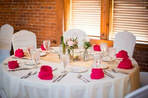Glittery Gold Table Runner and Pink Napkins