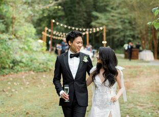 Nestled in the heart of Atlanta, Georgia, is Cator Woolford Gardens, a dreamy escape that immediately transported Kristy and Colin's wedding guests fr
