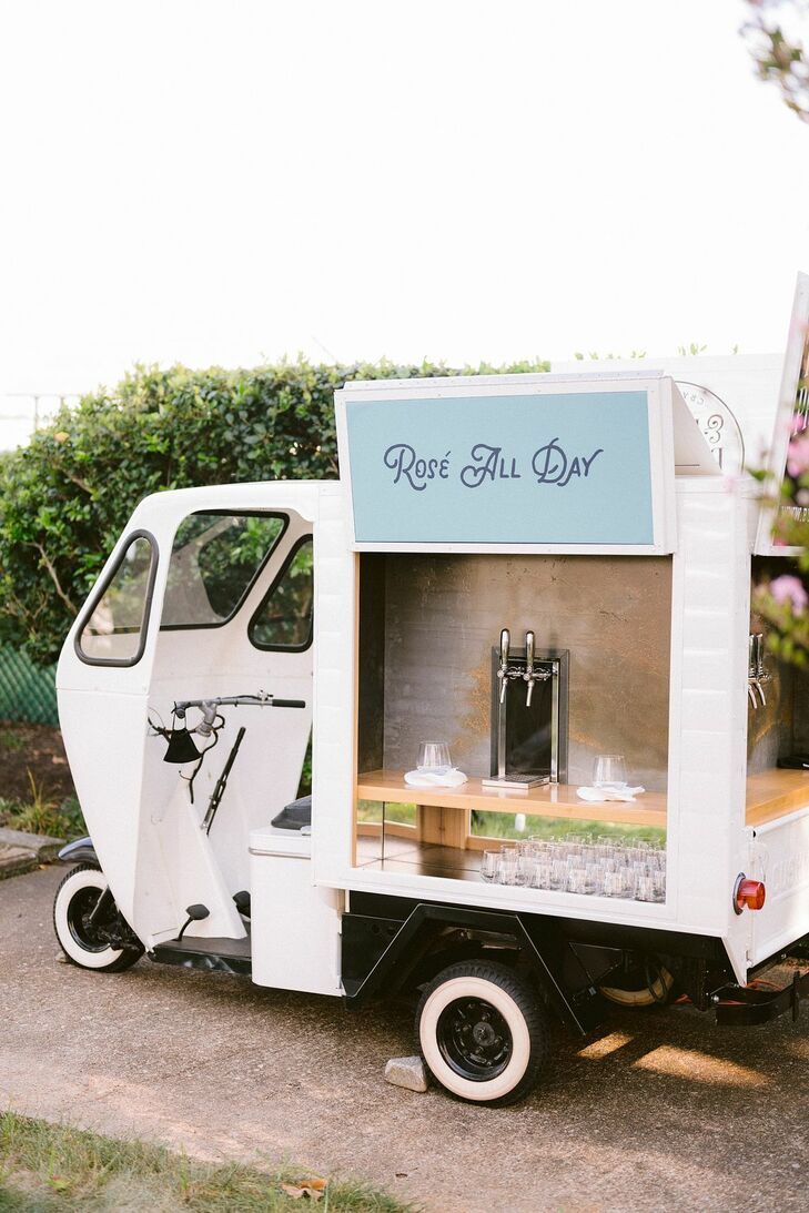 Mobile Bar for Backyard Wedding in Virginia