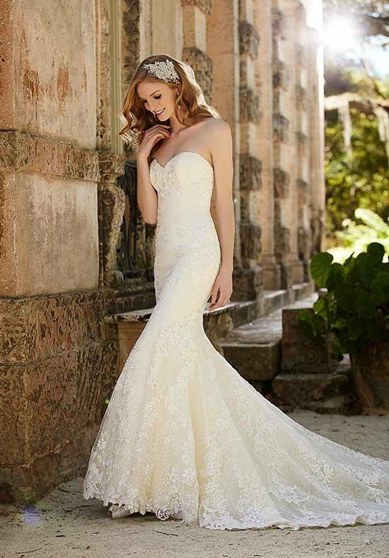 Martina Liana 684 Wedding Dress photo
