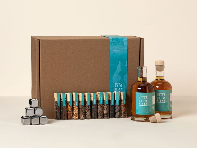 DIY whiskey gift set