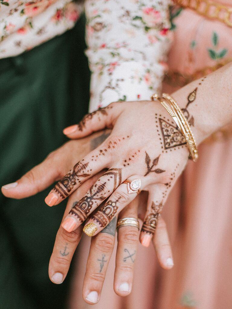 Simple wedding henna tattos