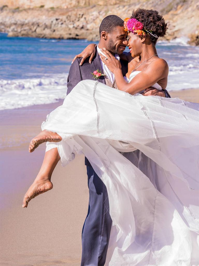 outdoor beach wedding photo