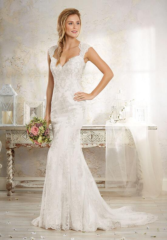 Modern Vintage by Alfred Angelo 8551 Wedding Dress photo