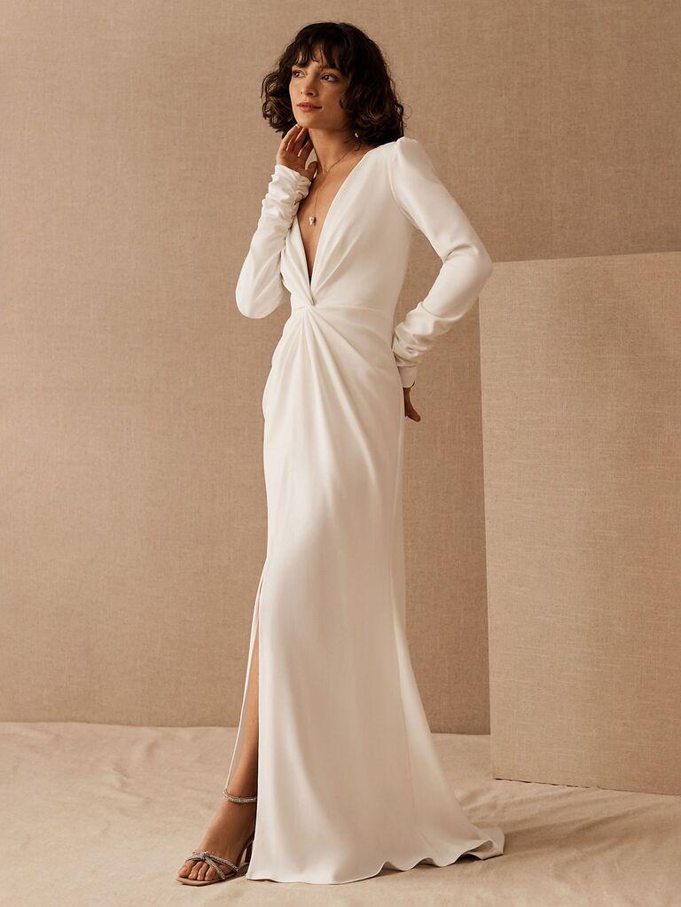bhldn tadashi shoji váy cưới sheath trắng với tay áo dài khoét sâu và váy hoa có đường xẻ  váy cưới đơn giản đẹp Váy cưới đẹp đơn giản