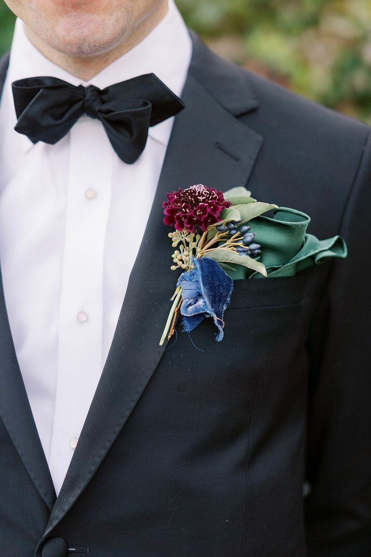 Boutonniere with velvet ribbon