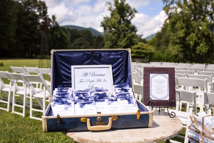 Tying into the vintage theme of the day, the ceremony programs were displayed in a vintage suitcase.