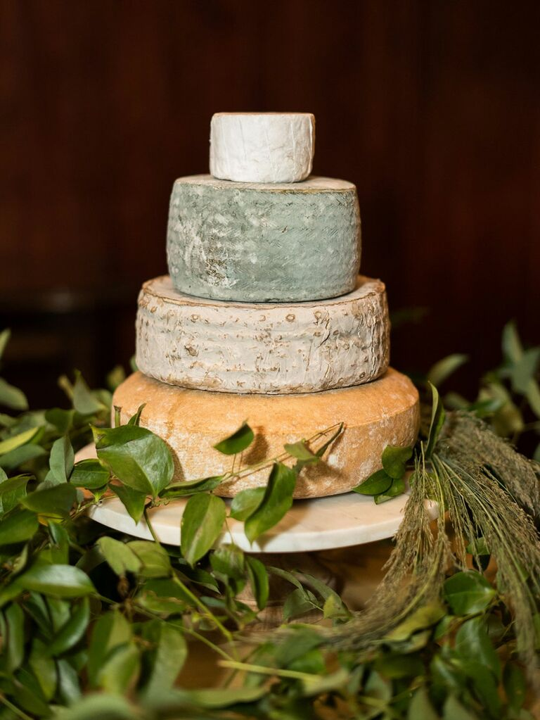 Tiered rustic cheese cake