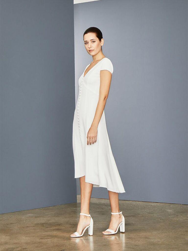 Váy midi cổ chữ V và cài cúc với tay ngắn váy cưới đẹp