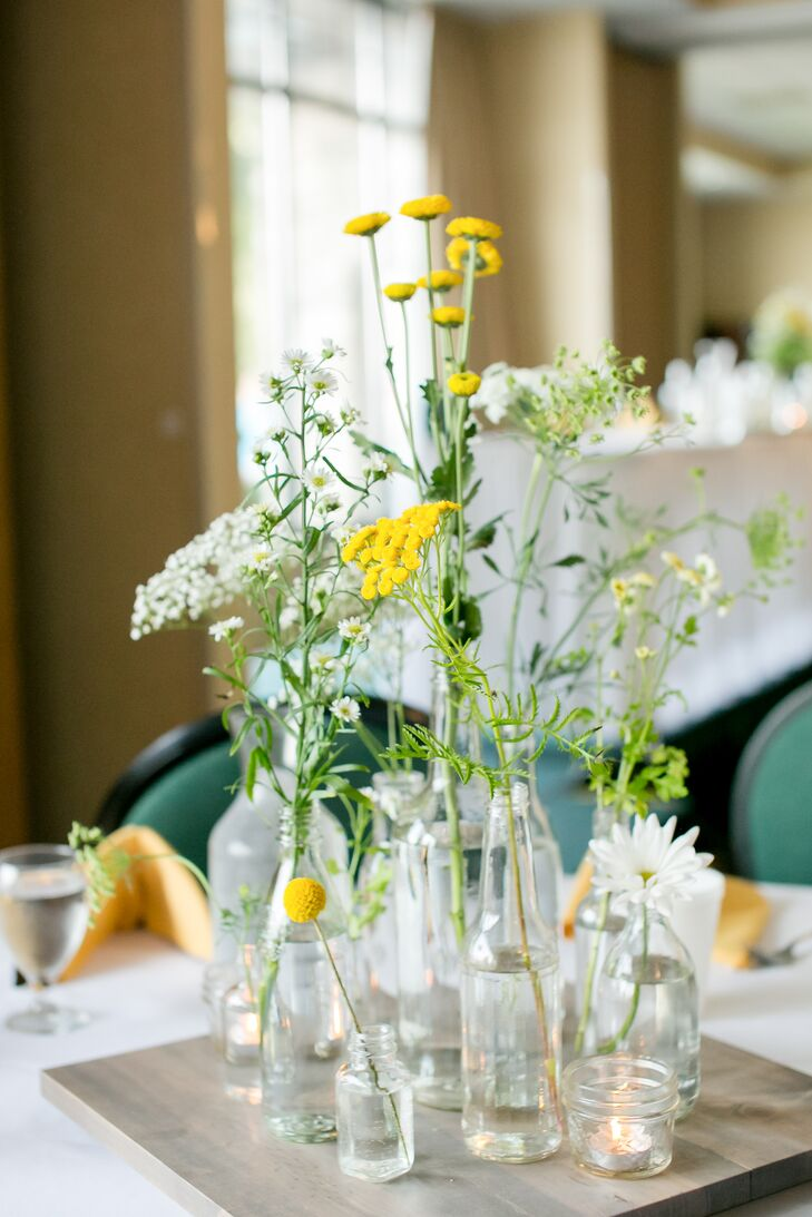 White and Yellow Daisy Centerpiece