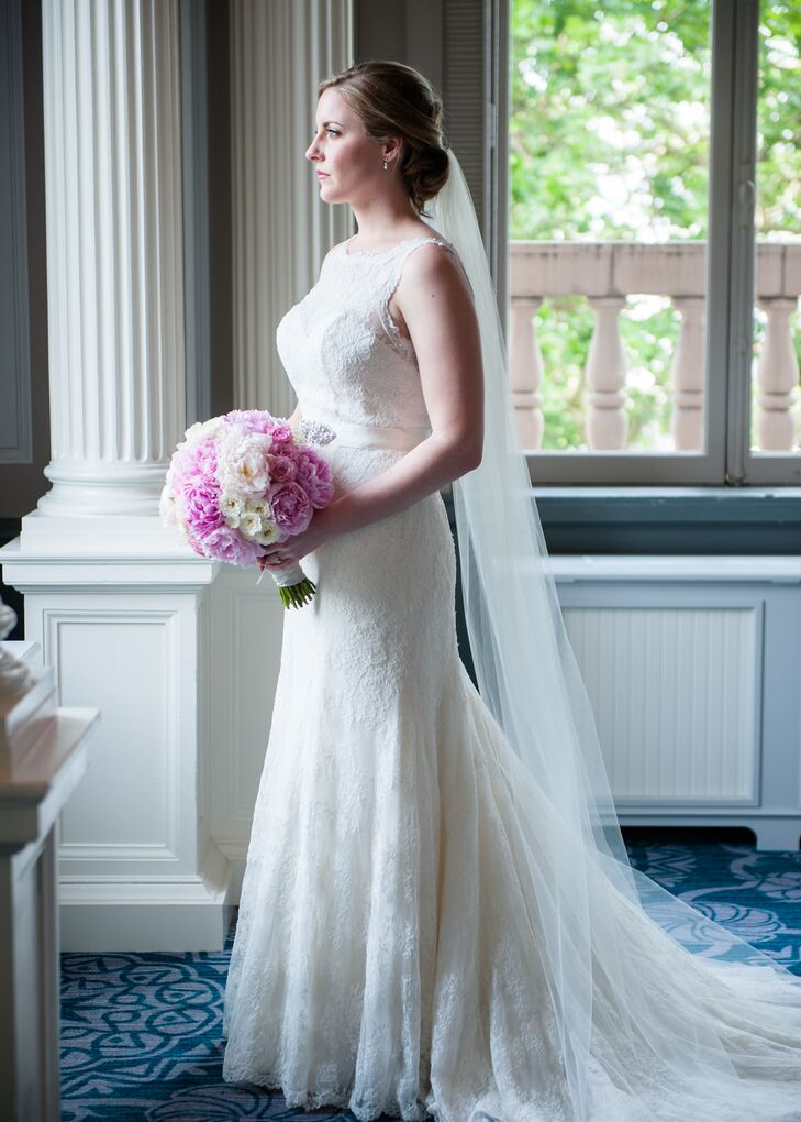 Elegant Lace Wedding Dress with Cathedral Veil