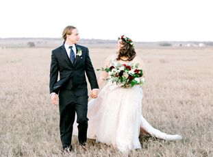 """High school teachers Kara and Clintonbooked their venue, The Allen Farmhaus, for two simple reasons: the ambience and the owners. """"There's something m"""
