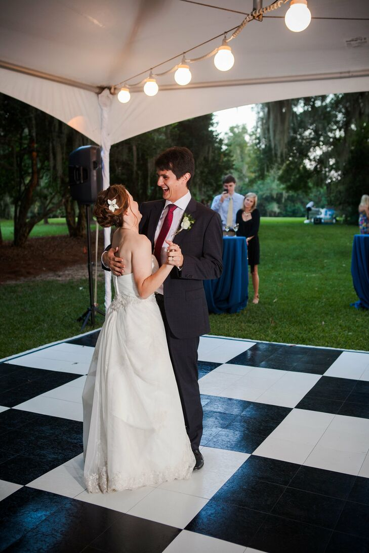 The couple chose a standard for their first dance: At Last by Etta James.