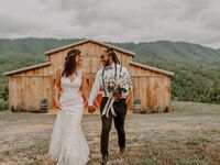 Blue Ridge Mountain wedding venue in Pigeon Forge, Tennessee.