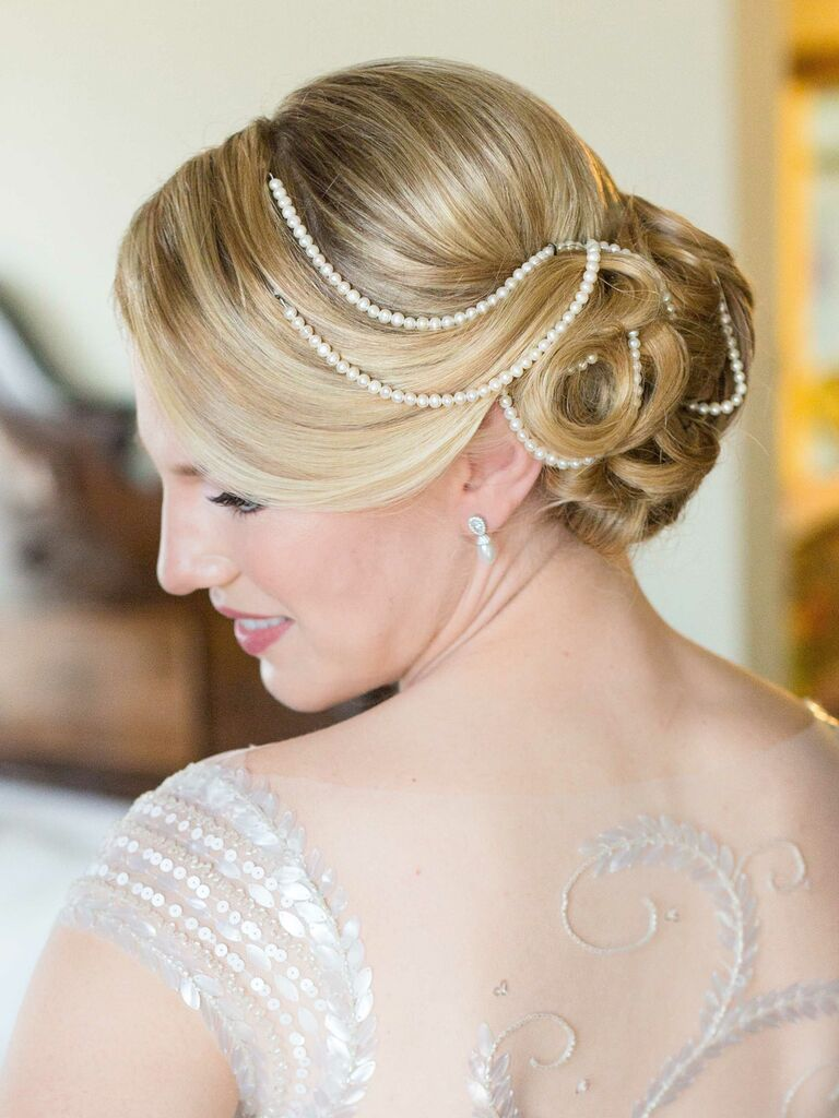 vintage wedding hairstyles low bun with pearls