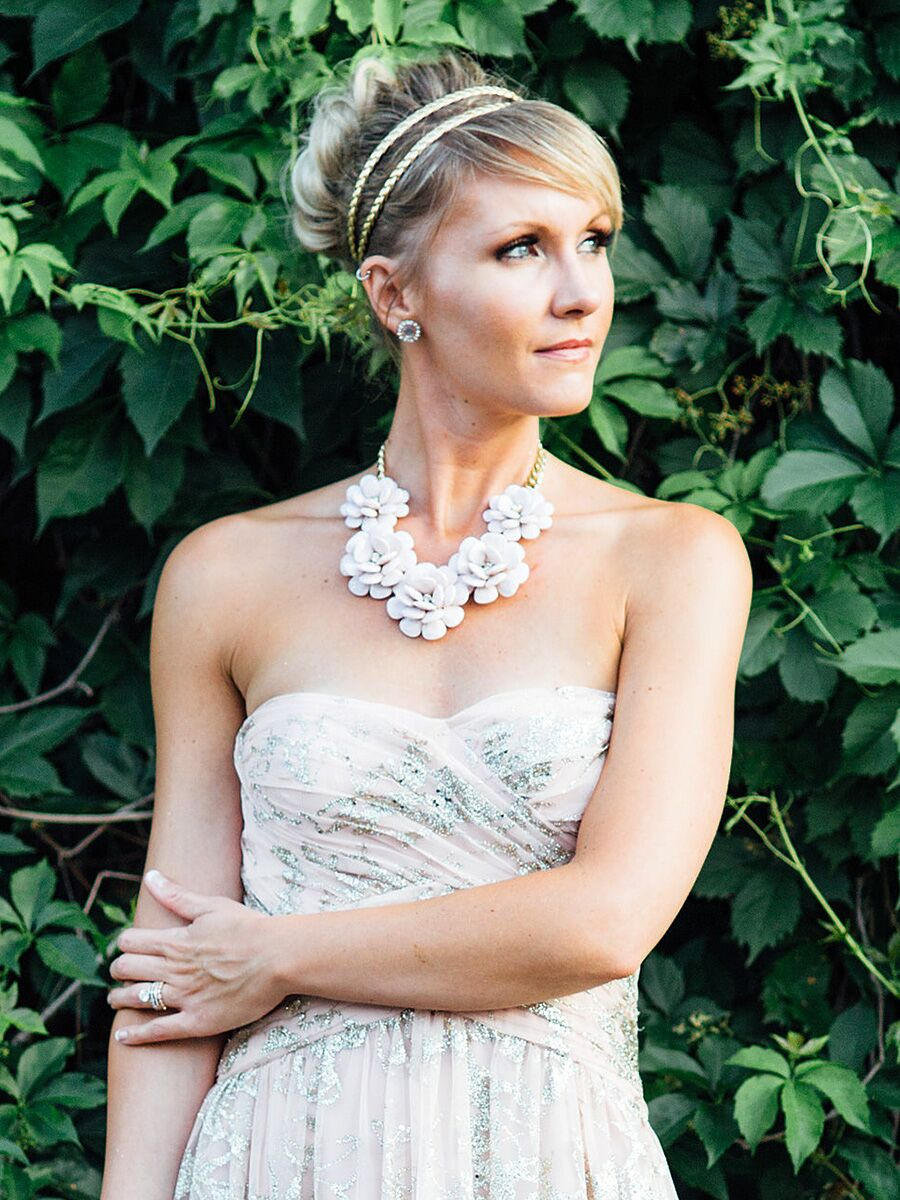15 Best Wedding Hairstyles For A Strapless Dress