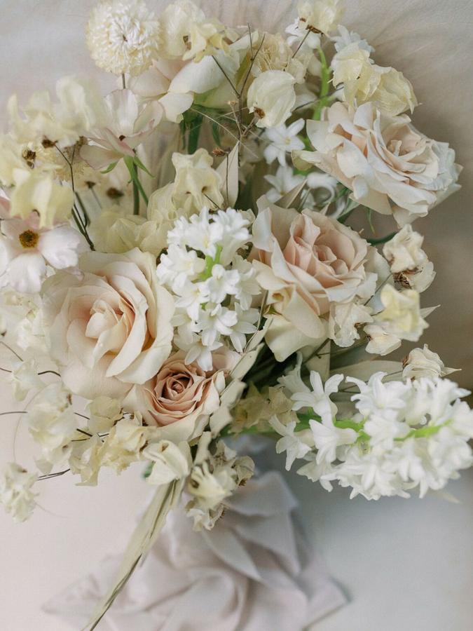 Beige bouquet