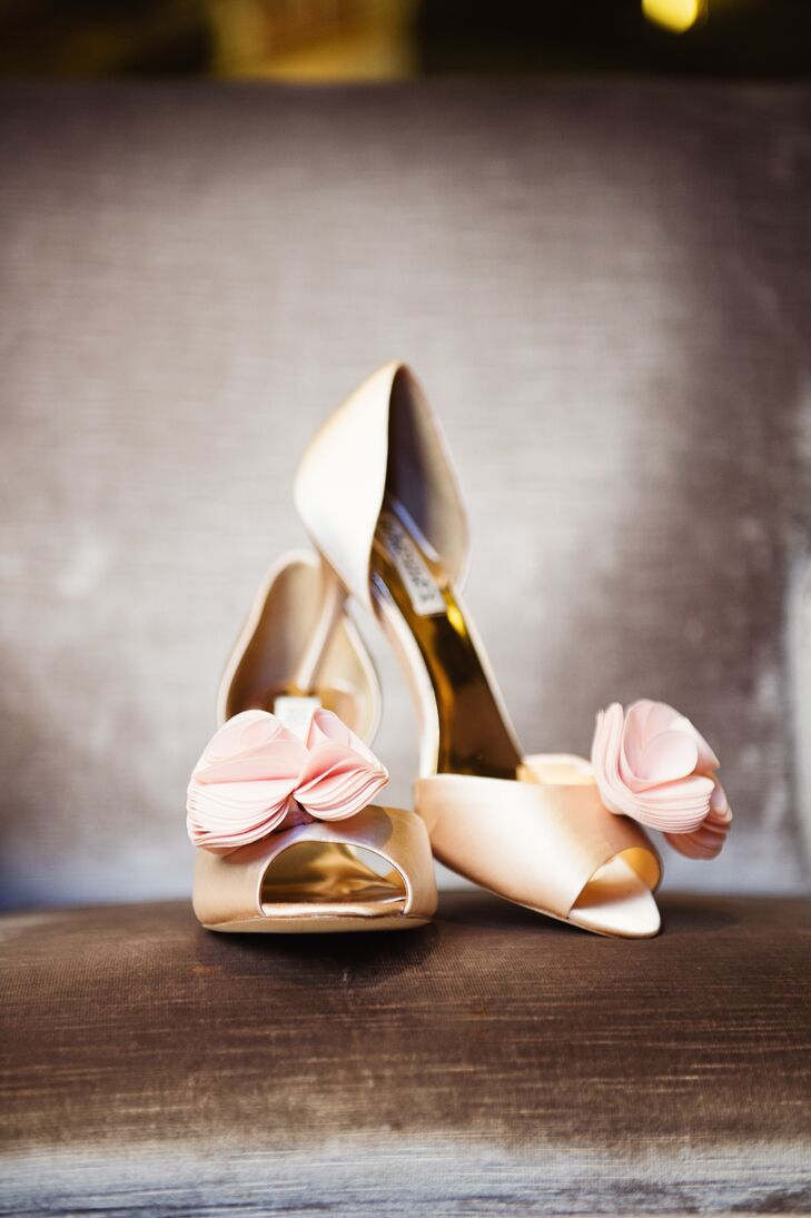 Classic Gold Badgley Mischka Shoes with Blush Roses
