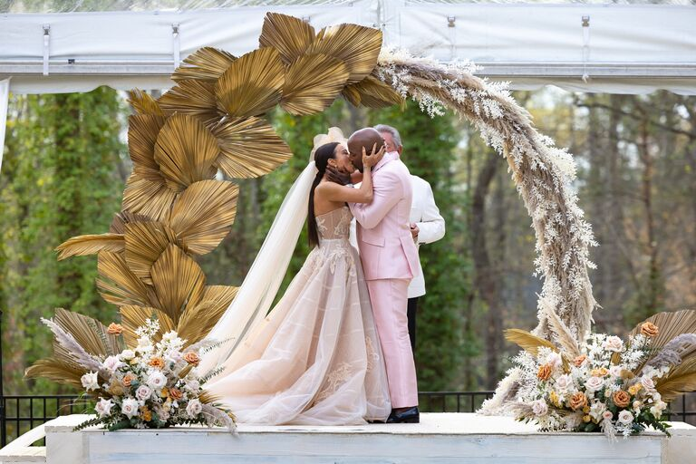 jeannie mai and jeezy share first kiss as husband and wife