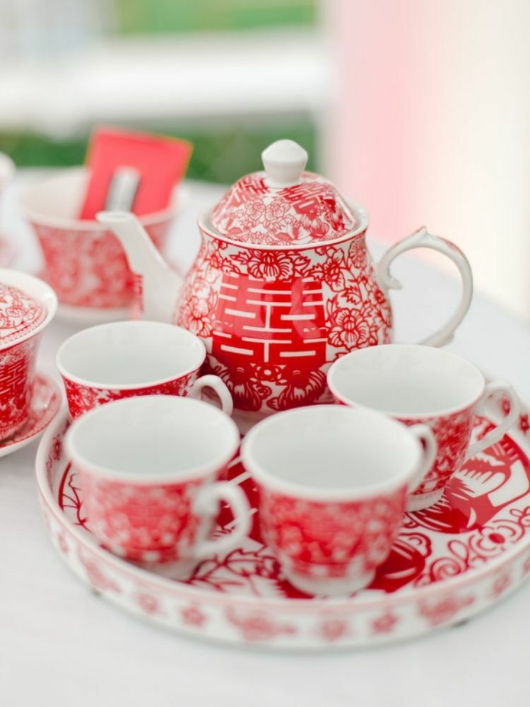 red-and-and-white tea set for Chinese tea ceremony