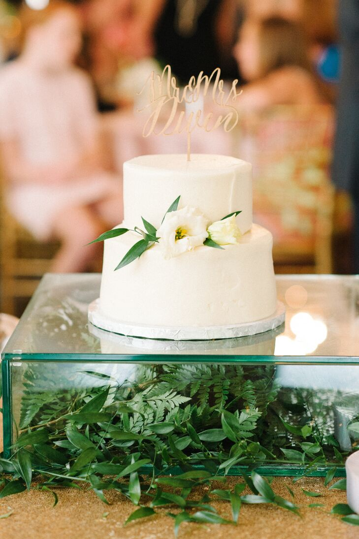 Modern Mixed Greenery Cake Stand