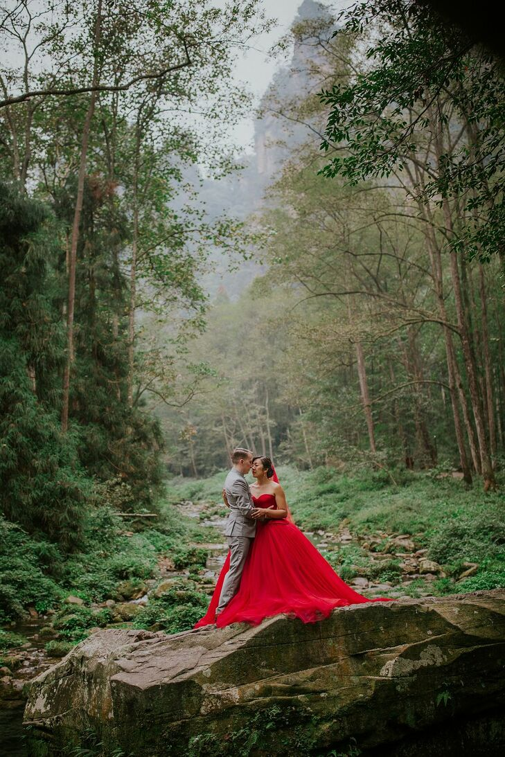 Wedding-Day Portraits in Zhangjiajie, China With Bride in Red Dress
