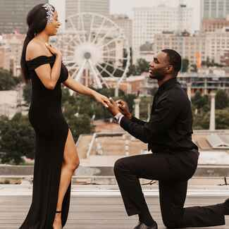 Couple getting engaged in Atlanta