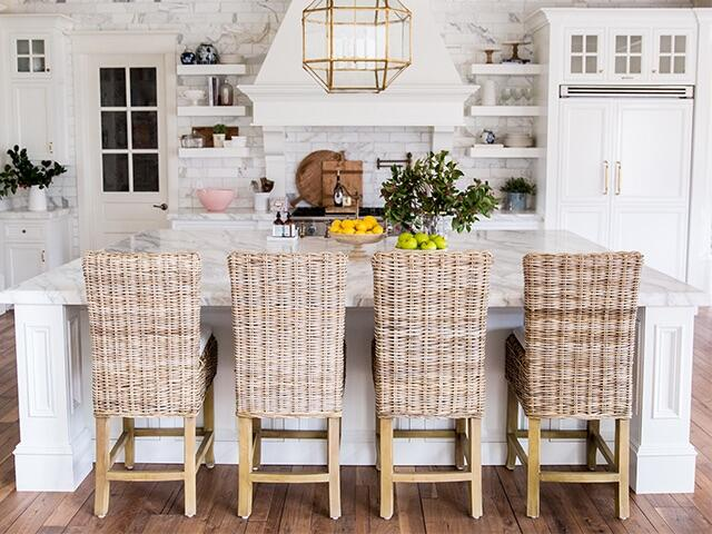 So It S No Surprise Her House Is Just As Beautiful She Recently Revamped Kitchen And Shared Some Tips Tricks With Us On How To Achieve A Dream