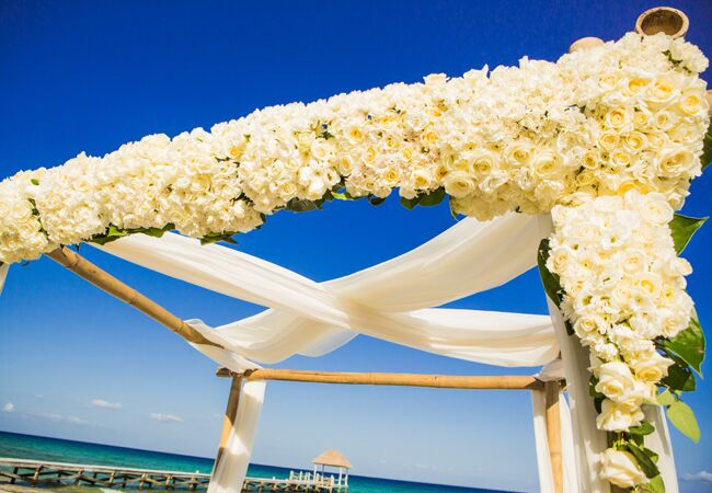 Photo: Beautiful Day Photography // Featured: The Knot Blog