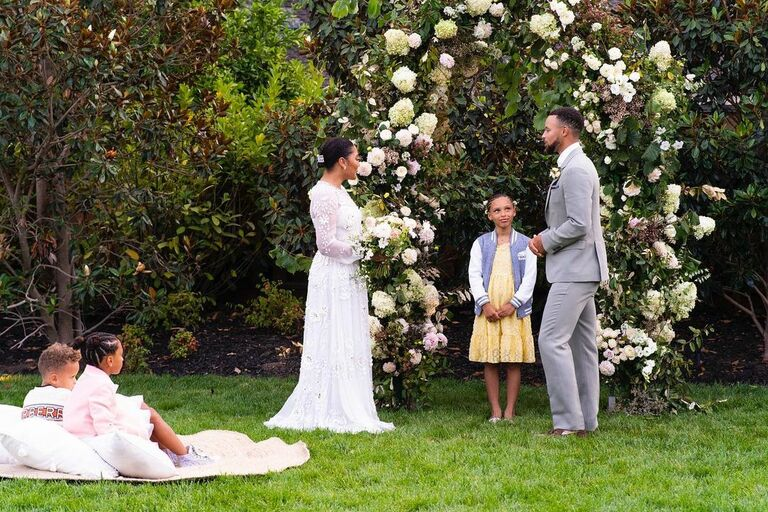 ayesha and steph curry vow renewal