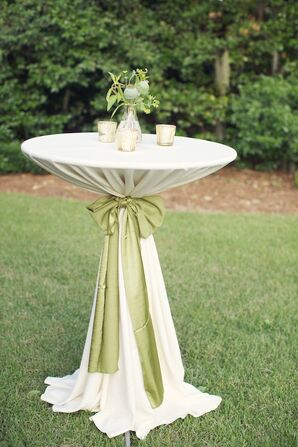 Organic Outdoor Cocktail Hour Decor