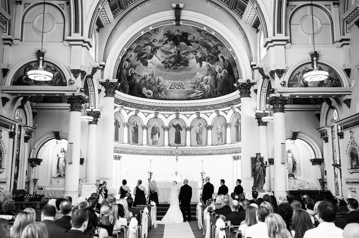 To give guests a taste of Boston, the couple chose to host the ceremony at St. Leonard's Church, right in the heart of Boston's historic North End neighborhood.