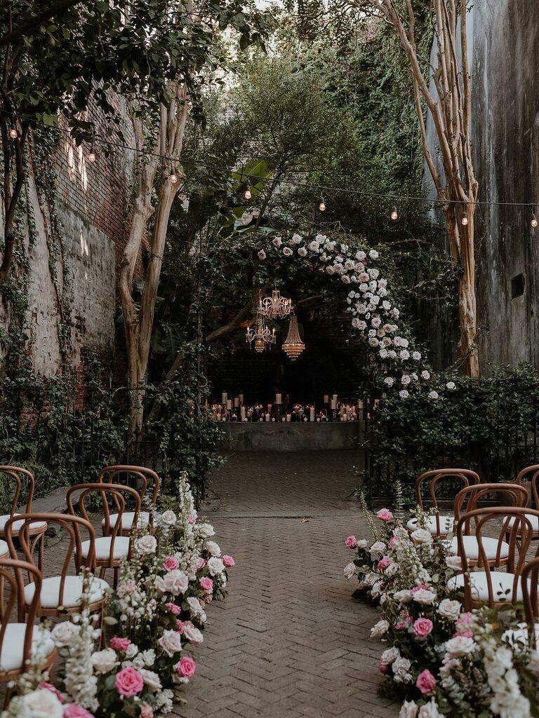 outdoor wedding venues museum courtyard