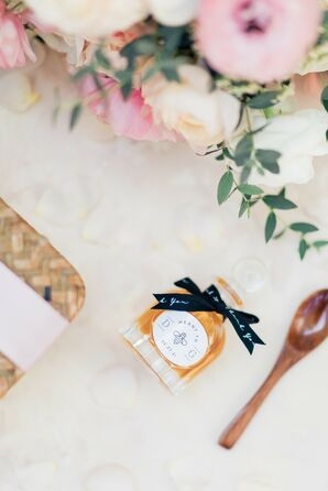 Honey Wedding Favor With Small Wooden Spoon