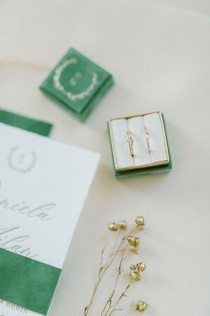 Delicate Wedding Rings in Green Velvet Ring Box