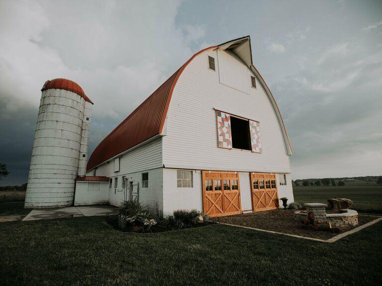 Farm wedding venue in Mechanicsburg, Ohio.