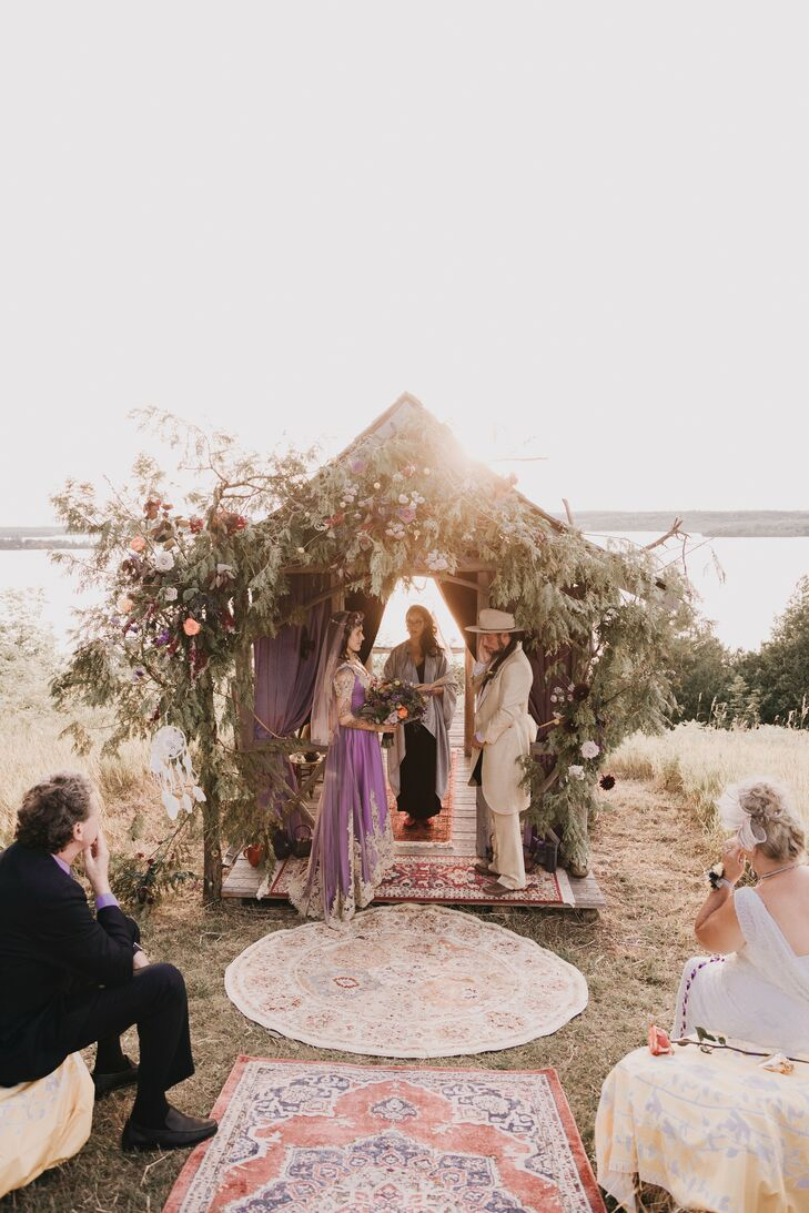 The Couple Got Married in an Outdoor Tea Room