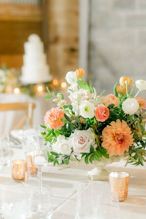 Peach-and-White Centerpieces with Dahlias, Roses and Ranunculus