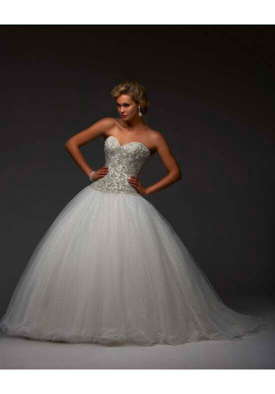 Essence Collection by Bonny Bridal 8401 Wedding Dress photo