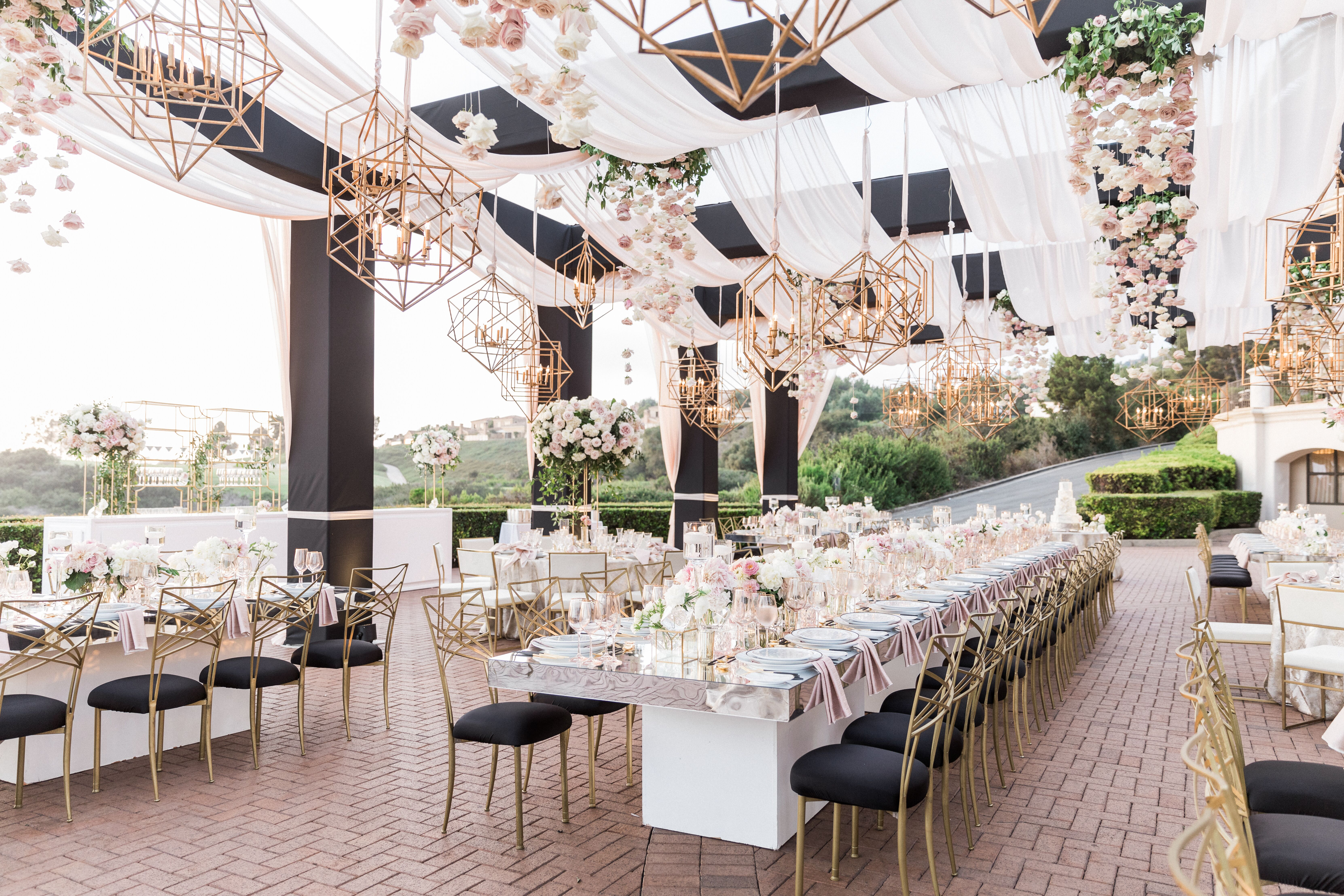You Need These Points on Your Wedding Venue Contract