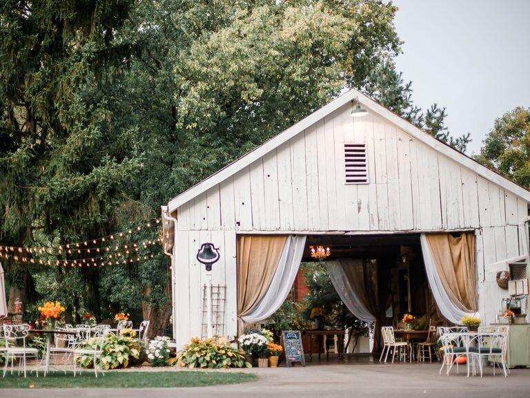 fall wedding ideas barn venue