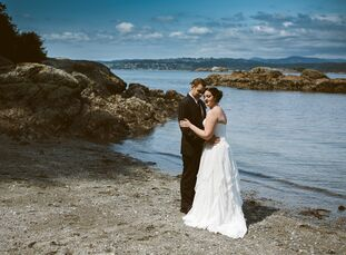 Katrina Lagore (23 and a nanny) and Steven Toews (23 and a sales manager) held their wedding at the gorgeous English Inn in Victoria, British Columbia