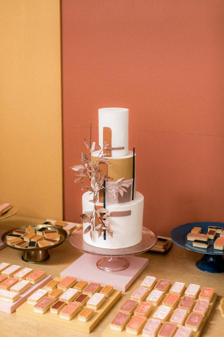 Terracotta-hued wedding cake display
