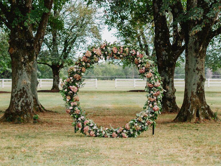 circular wedding ceremony backdrop