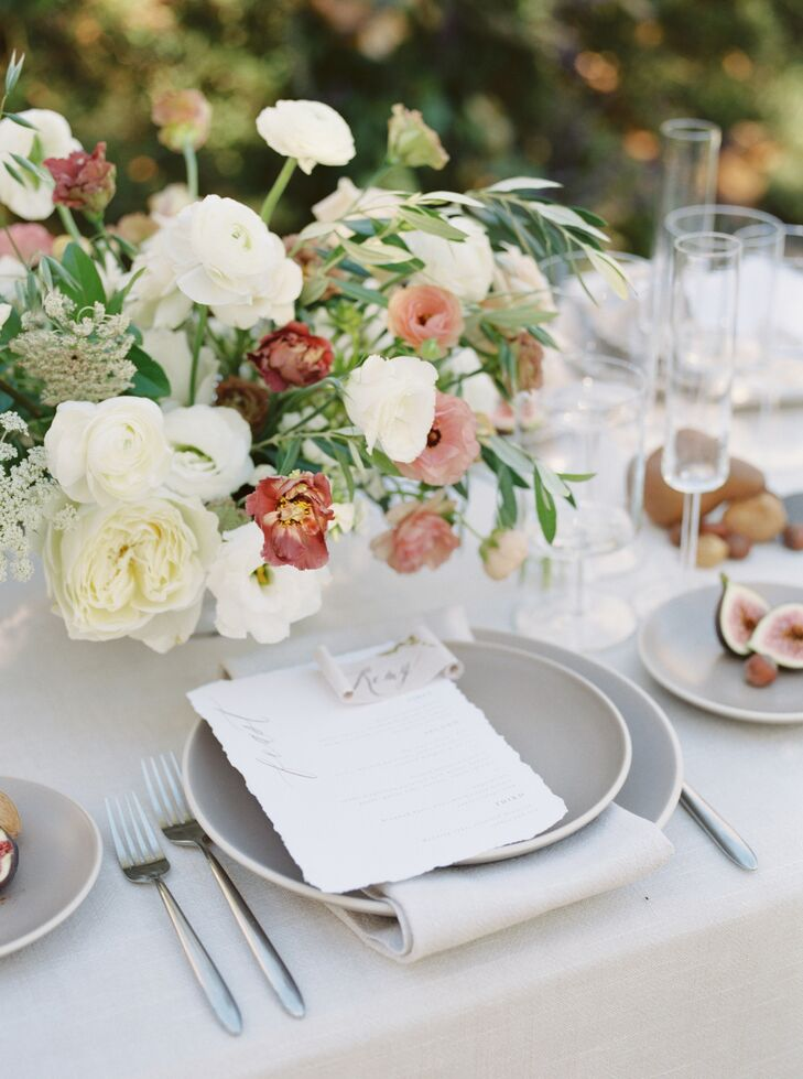 Lisianthus, Phlox and Butterfly Ranunculus Centerpiece Atop Neutral-Hued Tablescape