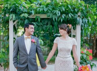 """""""We both wanted an outdoor wedding that felt relaxed and romantic,"""" Tina Lasorsa (25 and a vintage and antique jewelry dealer) says, which is why she"""
